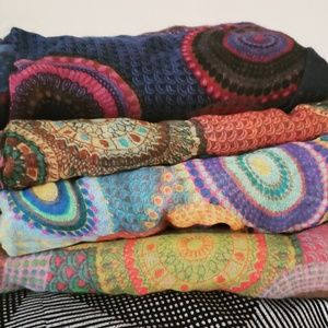 Accessories - Colorful printed Scarves